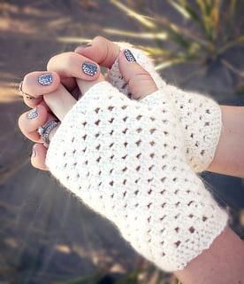 free-crochet-pattern-fingerless-mittens