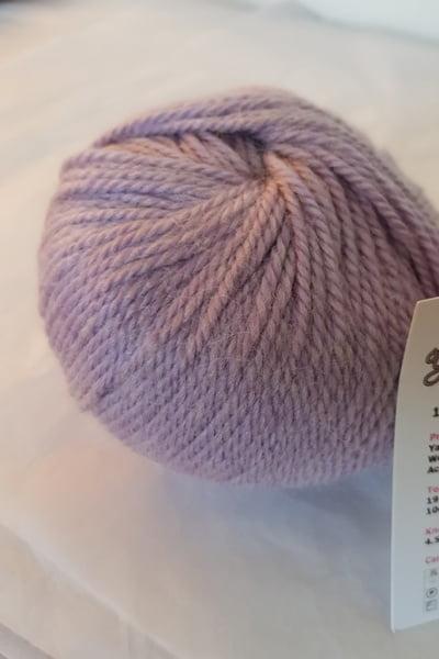 yak-yarn-lilac